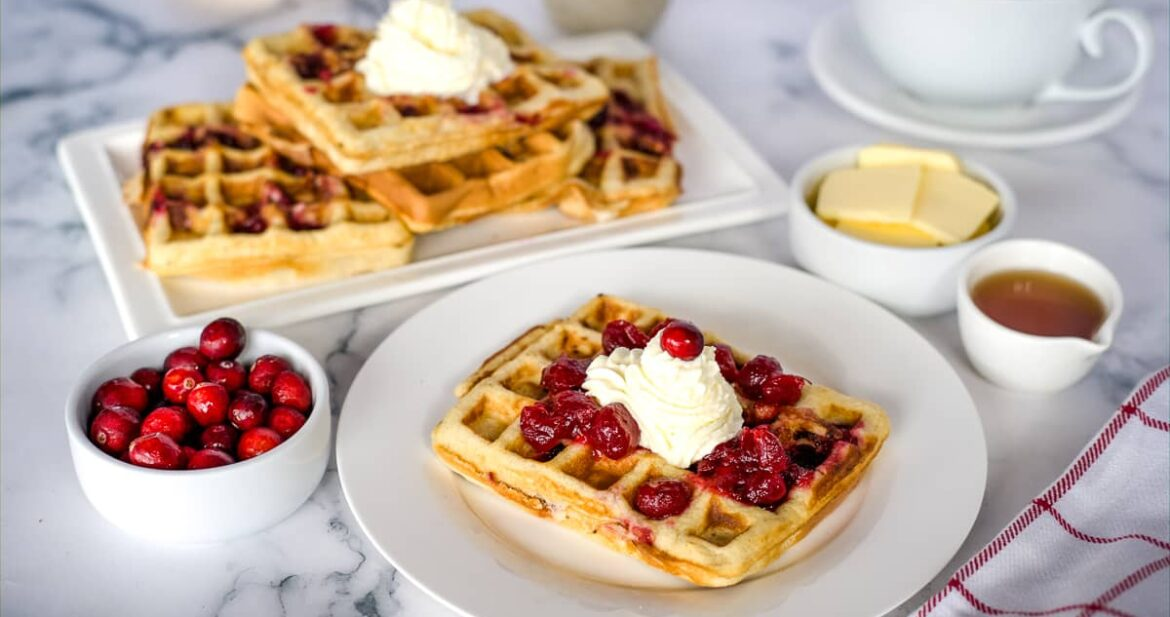waffle with cranberry