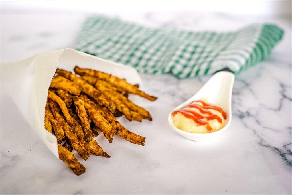 jicama fries with mayonnase