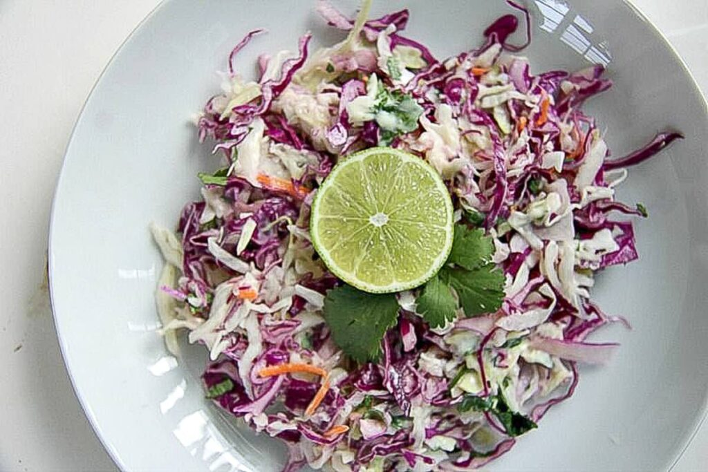 coleslaw with lime and red cabbage