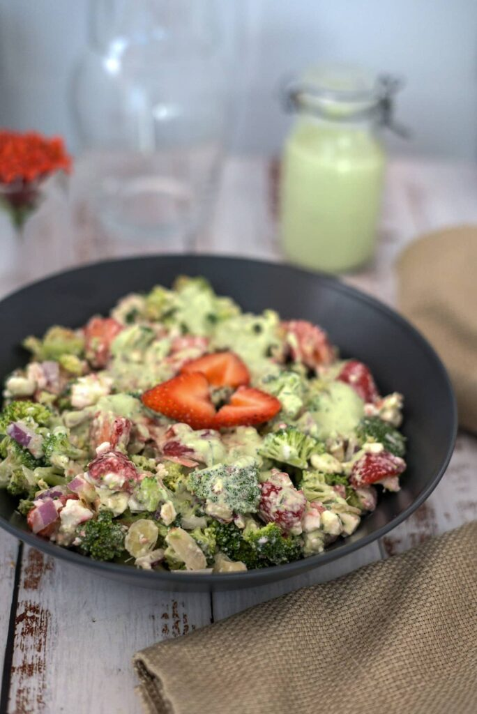 broccoli salad with strawberries and almonds