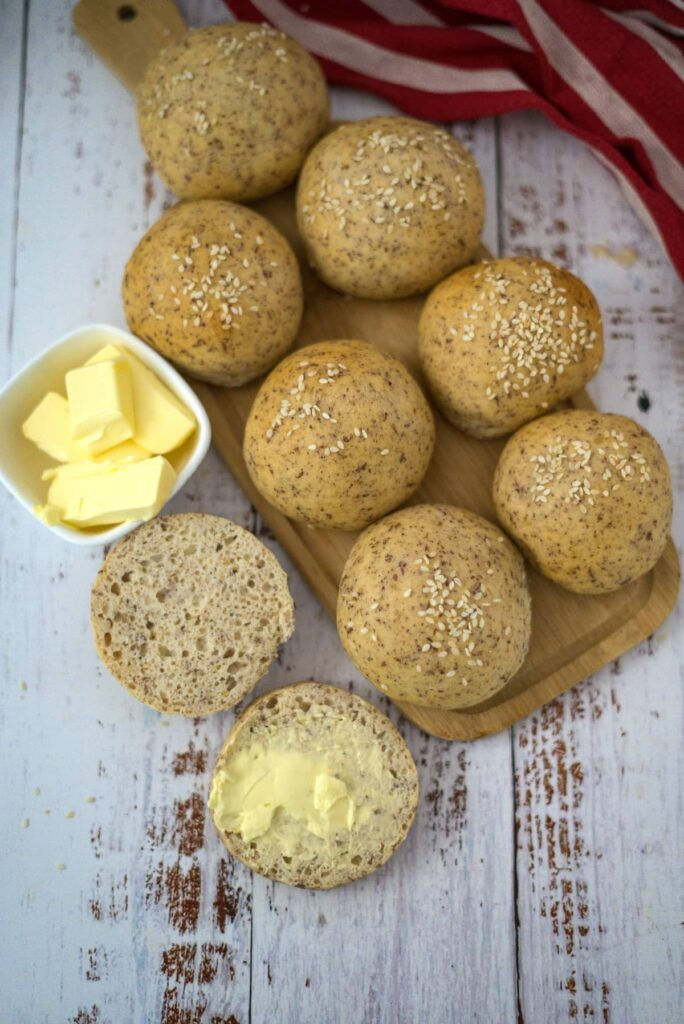 protein bread rolls